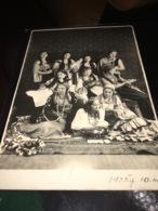 See Photos. Latvia 1935 Taken By M. Sabandzi In Tukuma, Brivibas Laukuma 9 - Anonymous Persons