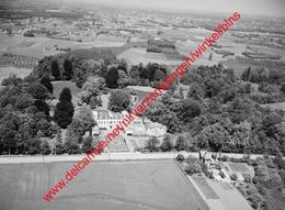 WESTMEERBEEK - Kasteel Hof Ter Borght In Juni 1968 - Photo 15x23cm - Luchtfoto - Hulsthout - Orte