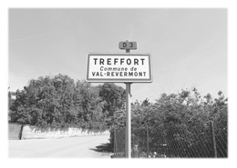 TREFFORT - Panneau Entrée - France