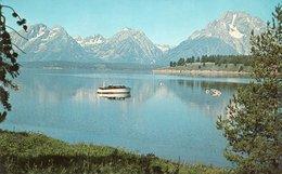 JACKSON LAKE IN THE GRAND TETON NATIONAL PARK IN WYOMING - Stati Uniti
