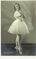 Photo Dédicassée. Danseuse En Tutu Paula François. Ballet. Opéra. Danse. Foto Verhassel, Bruxelles. - Dédicacées