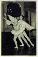 """Photo. Ballet. Opéra. Danse. """"Bouquetière"""" Foto Vermeulen, Théatre Royal De La Monnaie. - Métiers"""