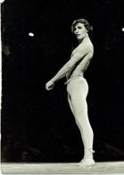 Photo. Ballet. Opéra. Danse.  Danseur à Identifier. - Métiers