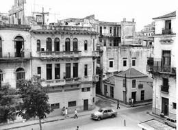 Photo Cuba Vue D'un Quartier Ancien De La Havane Photo Vivant Univers - Orte