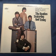 """The BEATLES -""""YESTERDAY...AND TODAY"""" -1966 ORIGINALE PERFETTO Capitol Record USA ST 2553 - Rock"""