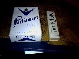Publicité Cigarette Boites Ancienne En Carton X2 Différentes Marque  PARLIAMENT Philip Morris International - Cigarettes - Accessoires