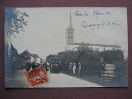 CPA PHOTO 71 CHASSIGNY SOUS DUN Sortie De Vepres RARE & ANIMEE  1911 Canton CHAUFFAILLES - Francia
