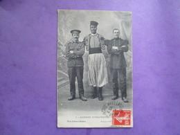 CPA WW1 GUERRE EUROPEENNE 1914 -18 UNIFORMES ZOUAVE - War 1914-18