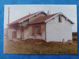 Lavoncourt 2 Photos La Gare Des Chemins De Fer Vicinaux Et Le Château D'eau  1983  Haute Saône Franche Comté - Altri Comuni