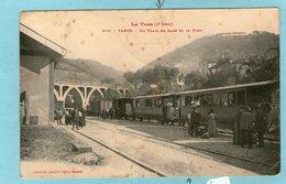 VABRE - Un Train En Gare Et Le Pont - (Dans L'état,plis En Travers... ) - Vabre