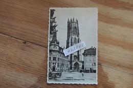 FRIBOURG - LA CATHEDRALE ET LA BANQUE D ETAT - FR Fribourg