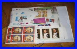 Départ 1 Euro (lot 8a) THEMATIQUE Collection De  + 100 BLOCS Séries - De Gaulle - Napoléon - Chess - Scouts - Kennedy - Collections (without Album)