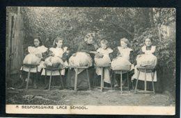 ANGLETERRE - A BEDFORDSHIRE LACE SCHOOL - Dentellières Dentelles Broderies - Non Classés