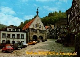! Moderne Ansichtskarte Schiltach Im Schwarzwald, Autos, Cars, Voiture, VW Volkswagen Golf, Citroen ? - PKW
