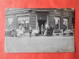 "Carte Photo Châtelineau Vers 1920 Commerce Tissus ""Bartelemy"" Braderie Place Albert 1er - Châtelet"