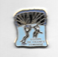 Pin's  Sport  Parachutisme  EQUIPE  DE  FRANCE  FÉMININE - Paracadutismo