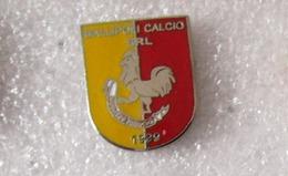 Gallipoli Calcio Srl Puglia Lecce Distintivi FootBall Soccer Spilla Pins Gallo Cock - Calcio
