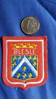 ECUSSON TISSU BLESLE HTE LOIRE 43  BLASON  ARMOIRIES  AUTRES MODELES DANS MA BOUTIQUE ET CELLE ULTIMA31 - Ecussons Tissu