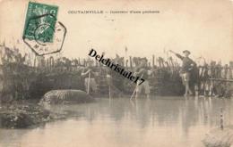 CPA 50 AGON COUTAINVILLE - MANCHE - INTÉRIEUR D'UNE PÊCHERIE - PÊCHEURS - TRÈS ANIMÉE  - ÉCRITE ET CIRCULÉE EN 1909 - Other Municipalities