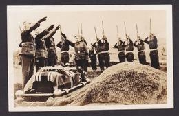AK / WK 2 /  Begräbnis Soldat / Trauerfeier  ..   ( E 716 ) - Weltkrieg 1939-45