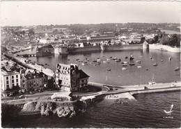 29 : CONCARNEAU : Vue Aérienne : Les Remparts - édition - LAPIE - ( C.p.s.m. Photo. Véritable - Grand Format ) - Concarneau