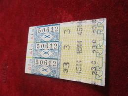 BUS/ 3  Tickets Anciens Usagés/RATP/Bleu /Code X  /Série A Vers 1950 - 1970            TCK135 - Bus