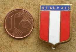 1 Insigne Blason Ancien En Métal Ville BEAUVAIS - Andere Verzamelingen