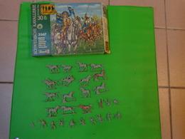 Figurines Revell 1/72 Cavalerie Suedoise Ref 2567 E 10 -15 - Figurines