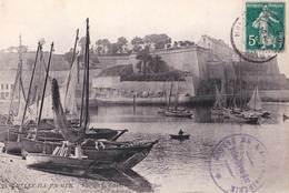 CPA / Belle Ile En Mer  (56) Vue De La Citadelle  CC 221  Cachet  Apothicairerie    Ed ND 21 - Belle Ile En Mer