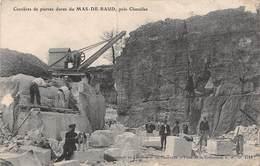 20-2428 : CARRIERES DE PIERRES DURES DU MAS-DE-BAUD PRES CHAZELLES. EXTRACTION DE LA PIERRE. GRUE. - Non Classés