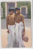 Bonnes Amies - Buone Amiche - Old Unused Postcard B200225 - Ethnics
