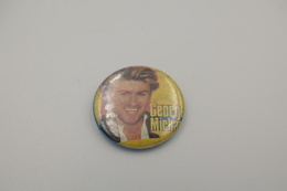 Vintage BUTTON: GEORGE MICHAEL *** - 1 INCH - Speld - Epingle - Badge - Pinback - RaRe - ORIGINAL 1980's - Pin's