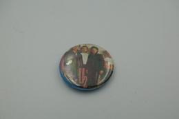 Vintage BUTTON: U2 *** - 1 INCH - Speld - Epingle - Badge - Pinback - RaRe - ORIGINAL 1980's - Pin's