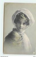 N°13342 - Grete Reinwald Portant Un Voile - Portraits