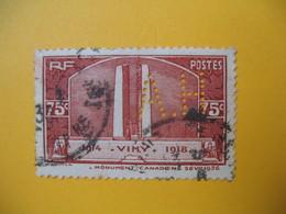 Perforé  Perfin  Référence Ancoper France  :   AH106 - Perfins