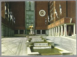 PC  AUNE F-4923-1- Norway,Oslo City Hall,View  Of Borggarden With Fountain . Unused - Norvège