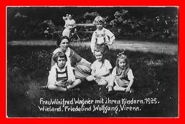 CPSM/pf ECRIVAINS.  Frau Winifred WAGNER Mit Jhren Kinder.1925 Et Ses Enfants ...K858 - Scrittori