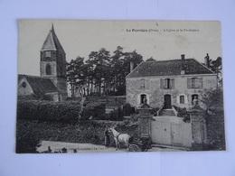 CPA  61  La Perrière L'Eglise Et Le Presbytere 19..   TBE - Unclassified