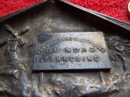 Cendrier Constructions électriques à Tourcoing - Other Collections