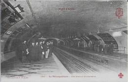 PARIS: Le Métropolitain- Une Station Souterraine  Avec Publicité Suchard - Tout Paris - Stations, Underground