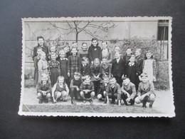 DR Ostmark / Böhmen Und Mähren Mädchen Schulklasse Unsere Deutsche Schule In Trebitsch Ca. 1940er Jahre - Anonyme Personen