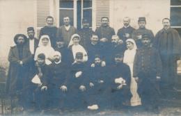 CP PHOTO SAINTES Charente Inférieure HOPITAL AUXILIAIRE N°8  COUVENT DE LA PROVIDENCE Militaires Blessés Infirmières - Guerre, Militaire