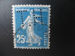 Perforé  Perfin  Référence Ancoper France  :  HT79 - France
