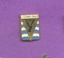 Rare Pins L'etang Sale Ile De La Reunion Zamac A.B Paris L548 - Steden