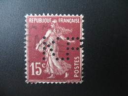 Perforé  Perfin  Référence Ancoper France  :   KP18 - Perfins