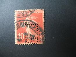 Perforé  Perfin  Référence Ancoper France  :  LB22 - France
