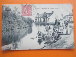 MONTVICQ_Le Canal Du Chateau Feodal_belle Animation Avec De Nombreux Villageois_voyagé En 1905 - Autres Communes