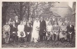 AK Foto Hochzeitsgesellschaft Hochzeit Brautpaar - Ca. 1920 (47561) - Hochzeiten