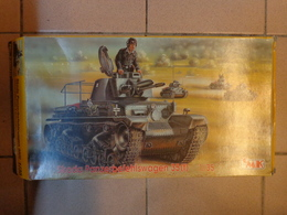 Skoda Panzerbefehlswagen 35 Tonnes  1/35 Ref T35010-cmk-char D'assaut Tchécoslovaque - Figurines