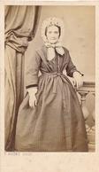 CDV Portrait Femme Debout Second Empire Circa 1865 F. Roüet Montpellier Woman - Photos
